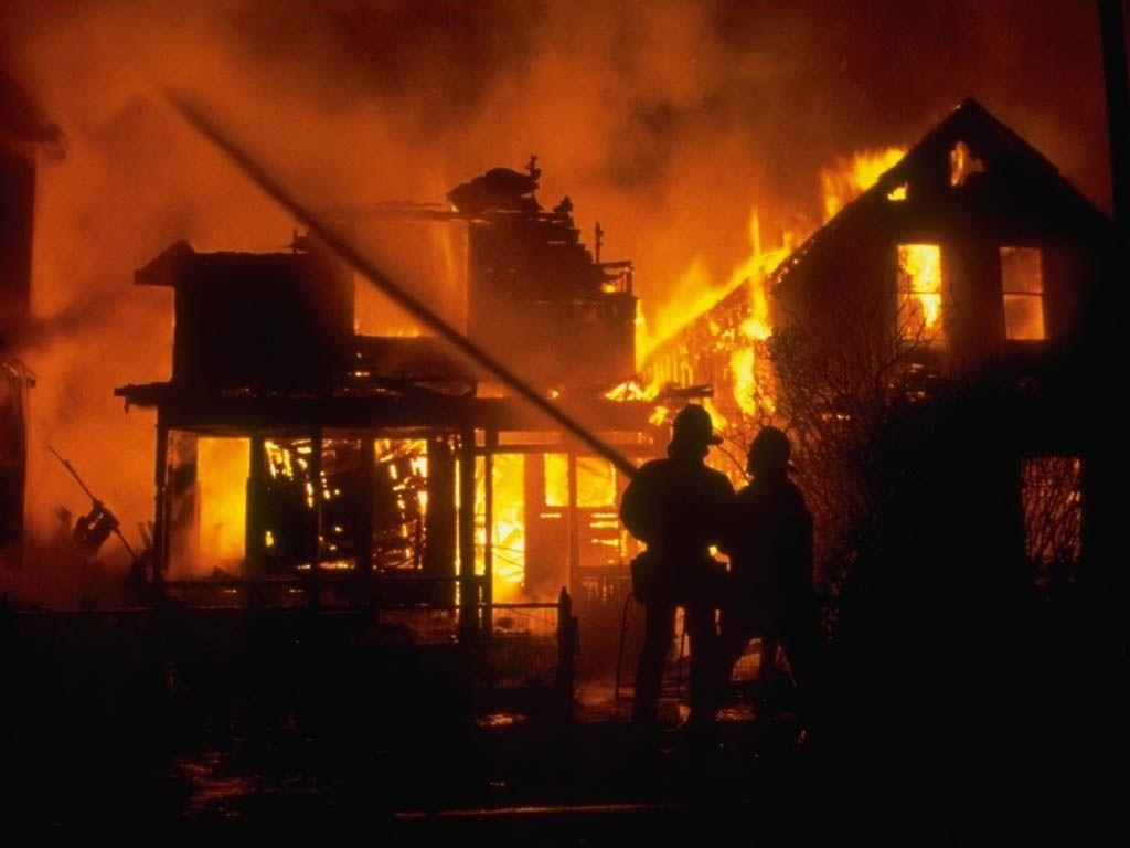 Pompiers page 2 for Au feu les pompiers la maison qui brule